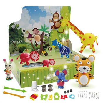 1趣玩具:小猪佩奇橡皮泥做一块星星彩虹河