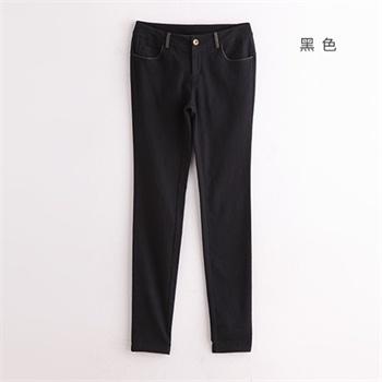 黑色带点花纹的裤子怎么陪衣服