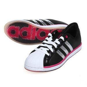 阿迪达斯三叶草2010 运动鞋