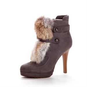SHOEBOX 鞋柜 大块皮草铆钉皮带装饰细高跟短靴 SRE250510120