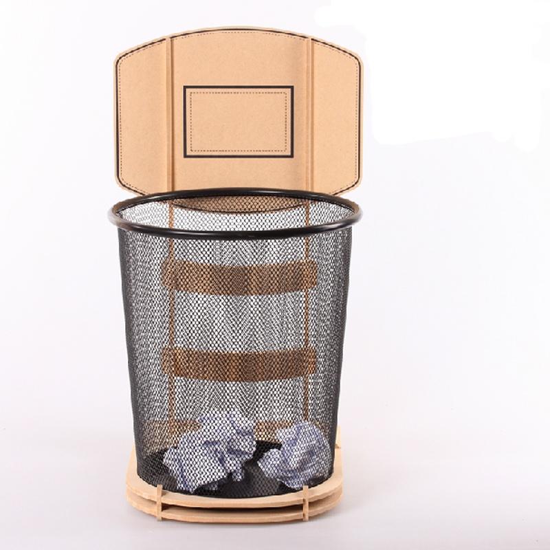 教室垃圾桶和扫把怎样放