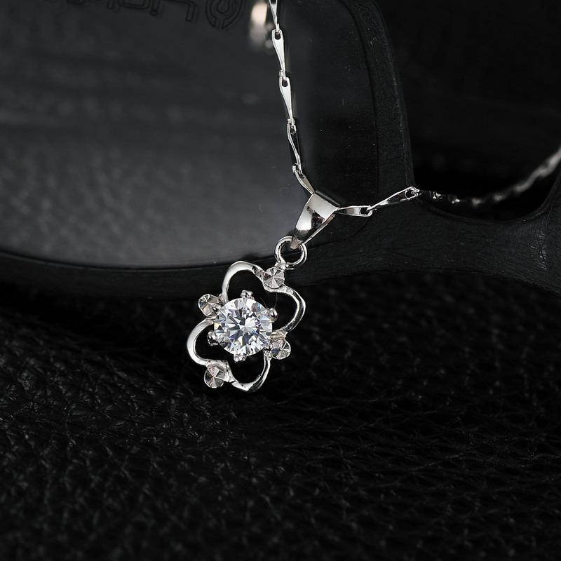 时尚独特的设计,精湛的制造工艺为立足资本,是一家集珠宝设计,开发